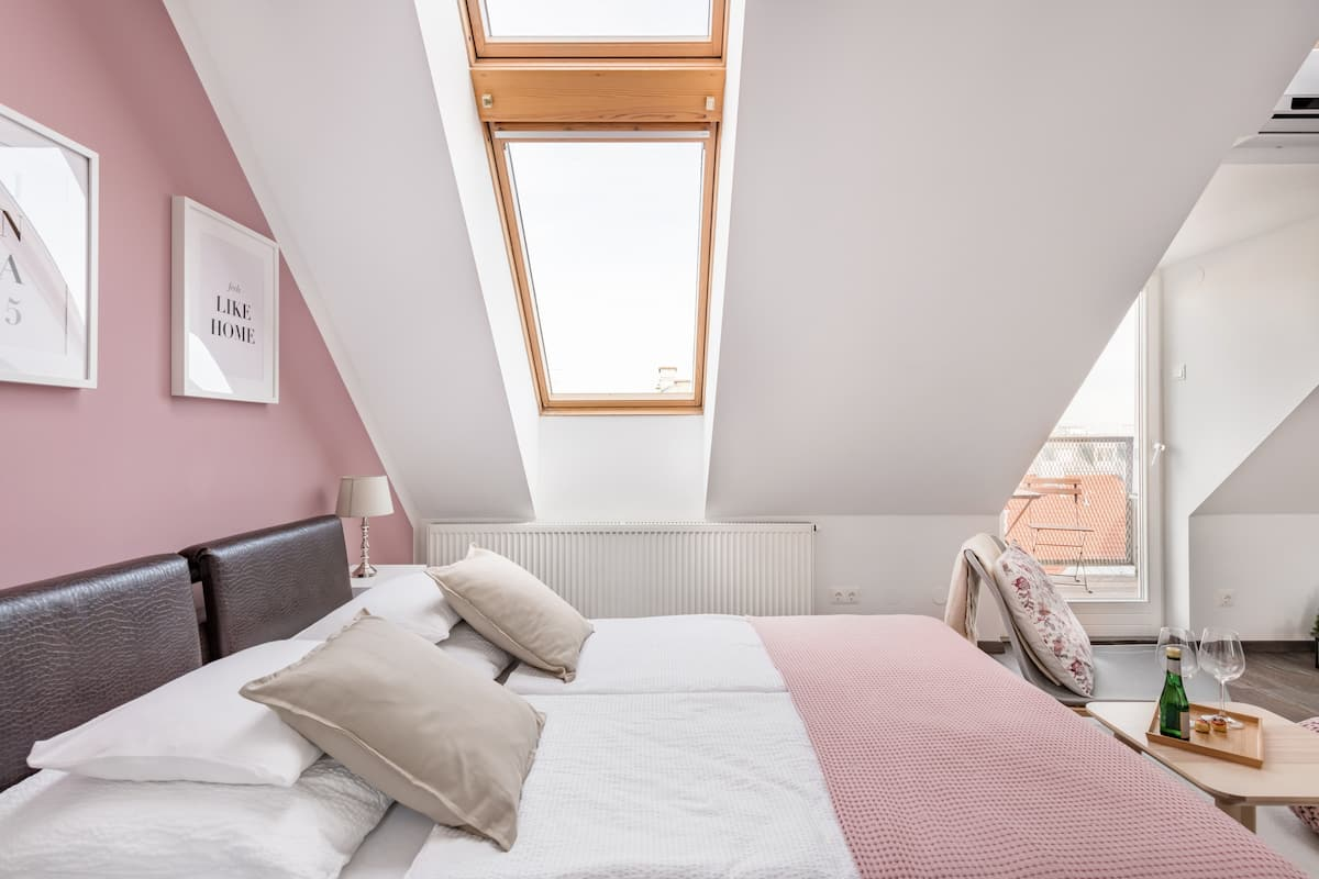 Pink Studio with a View in Vienna's 15th District