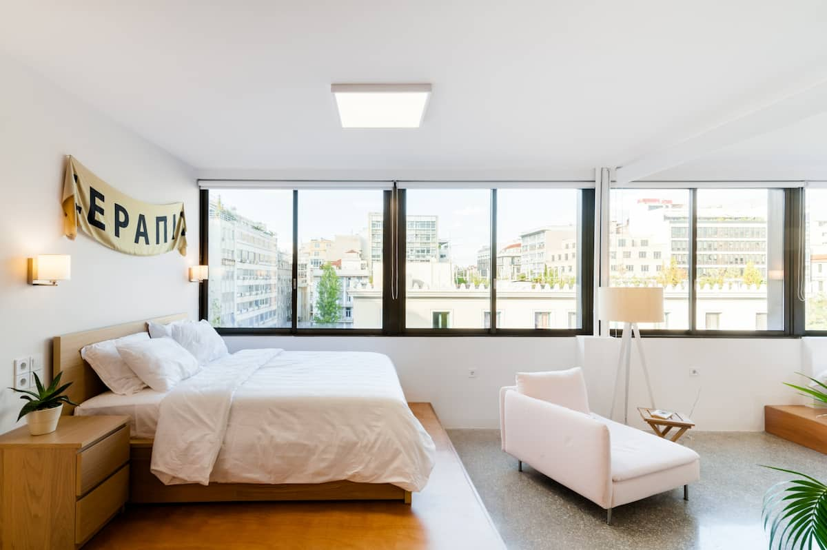 Wake up to Sweeping City Views at an Upscale, Central Loft