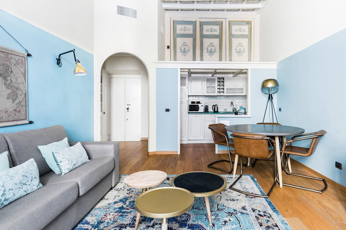 Visit the Pantheon from a Stylish and Romantic Apartment