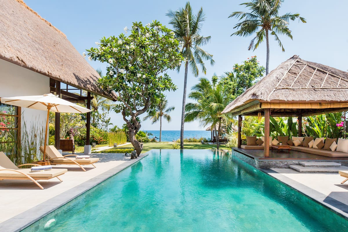 Luxury Balinese Villa with Traditional and Modern Style