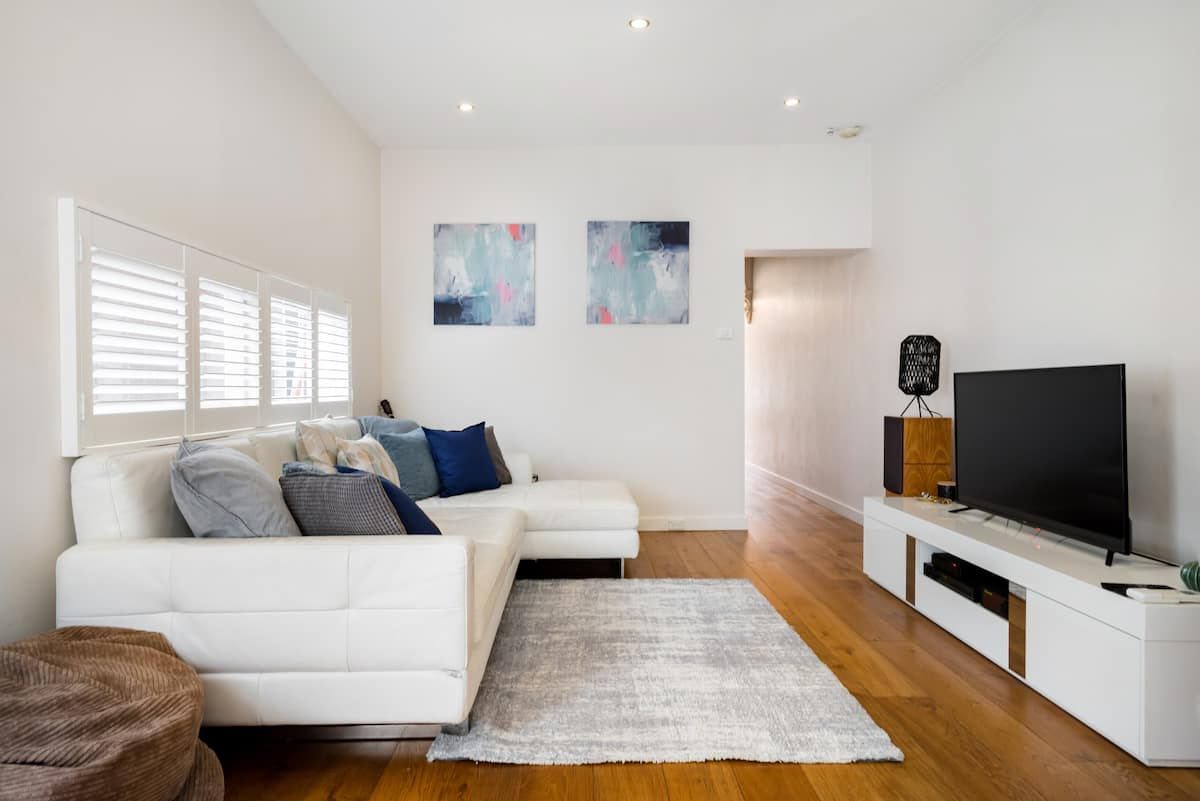 Stylish Semi-Detached Home in Newtown
