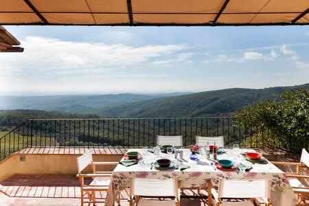 La Corte. Elegante Casa con incredibile vista sul Chianti e la campagna Toscana