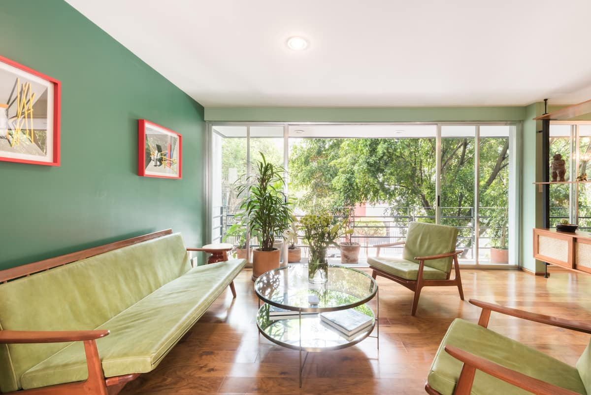 Stroll to Restaurants from a Beautiful Polanco Pad