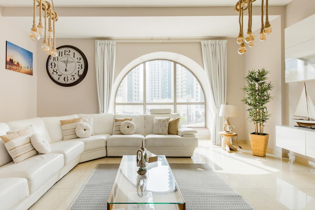 Stroll to the Beachfront from an Elegant Apartment in JBR