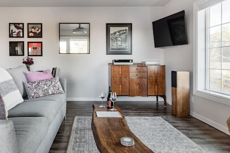 Winemaker's Rural Hideaway in the Heart of Paso Robles