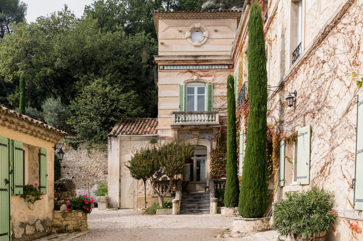 Charming Apartment on a Private Provencal Estate