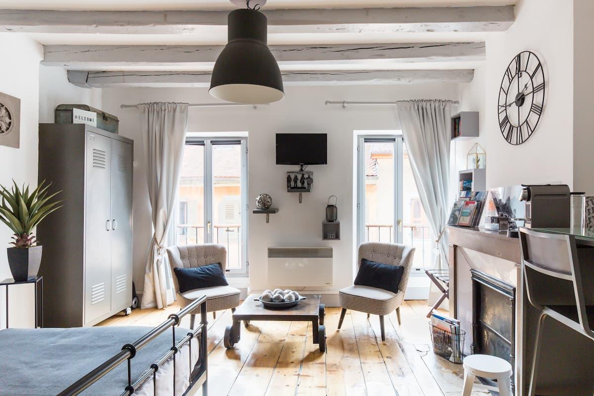 Au Grey d'Annecy, studio lumineux et cosy au cœur de la ville