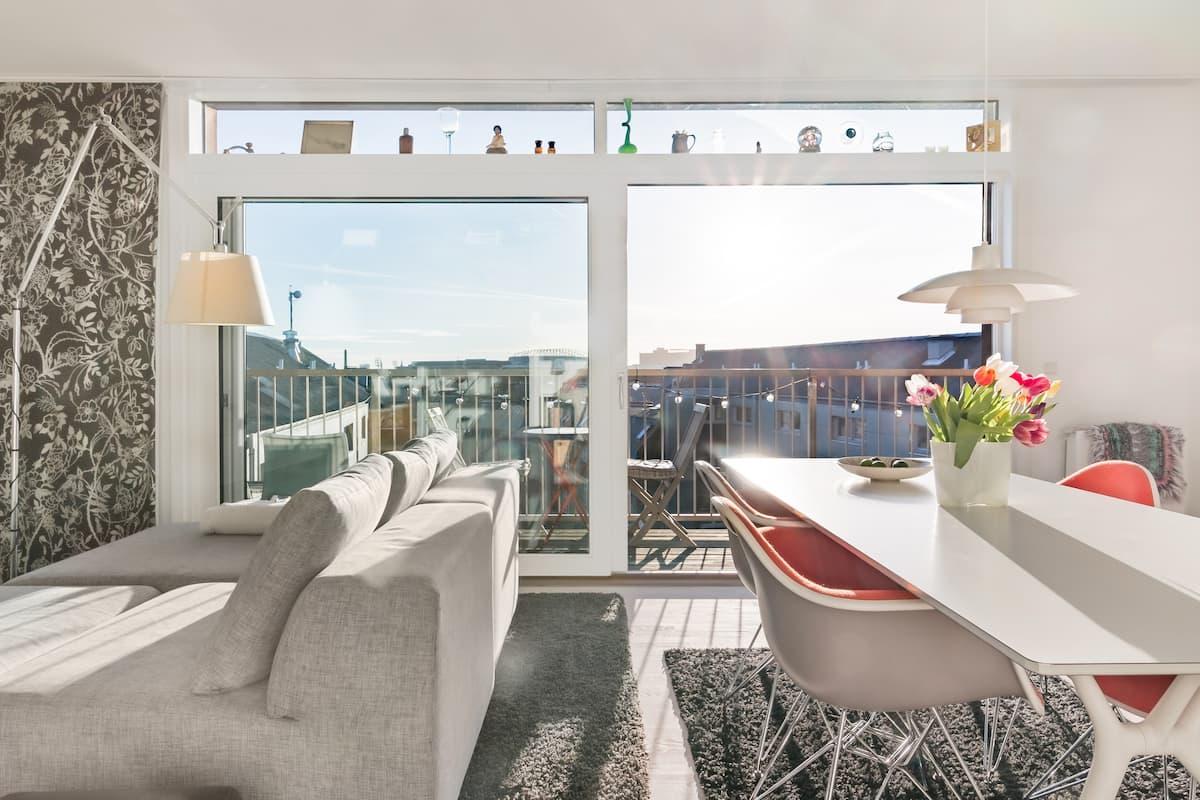 Enjoy vibrant Copenhagen from a Sunny Penthouse