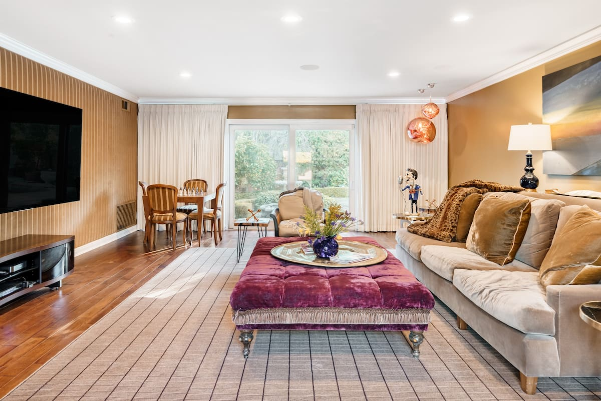 Fully Remodeled Guesthouse in Historic Hancock Park