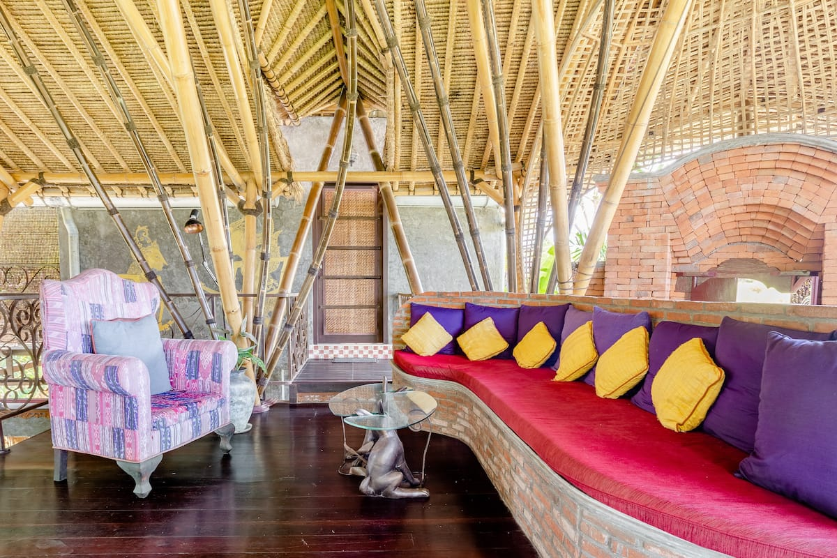 Artistic Bamboo Jungle House in Central Ubud