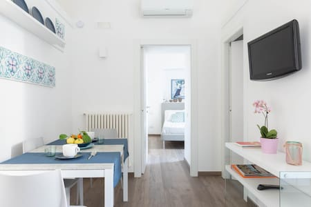 Explore the Amalfi Coast and Pompeii from a Picturesque Village Apartment