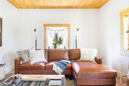 Pine Valley Settlers Cottage in Tranquil Natural Setting
