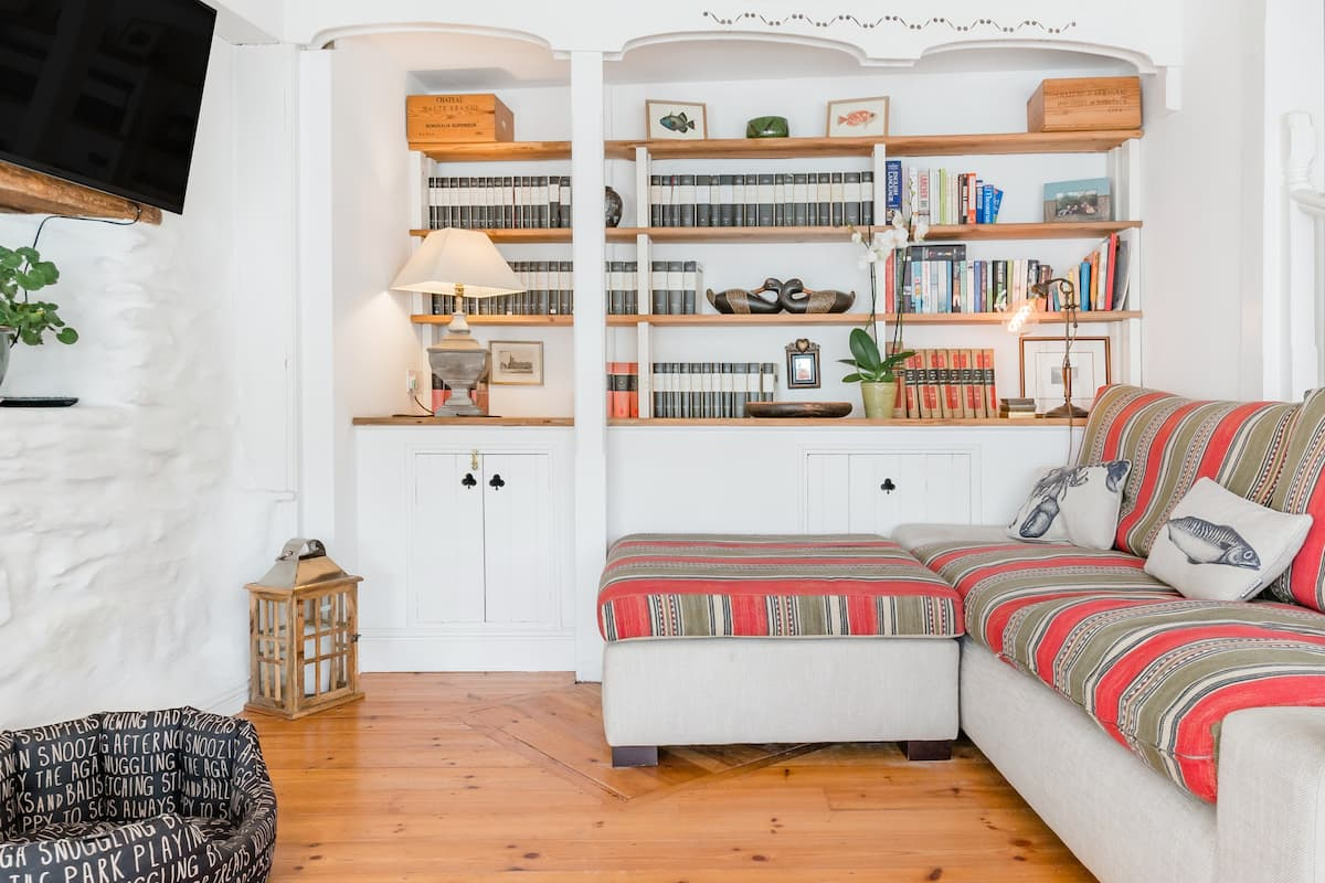 Charming Cottage Oozing Style in St Agnes