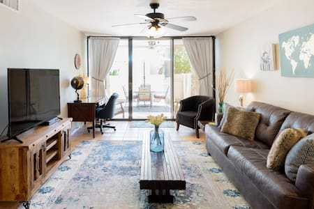 Quiet, Luxurious Condo Within Walking Distance of Old Town
