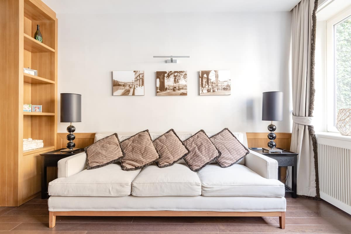 Kick Back at a Cozy Abode Meters from the Ponte Vecchio