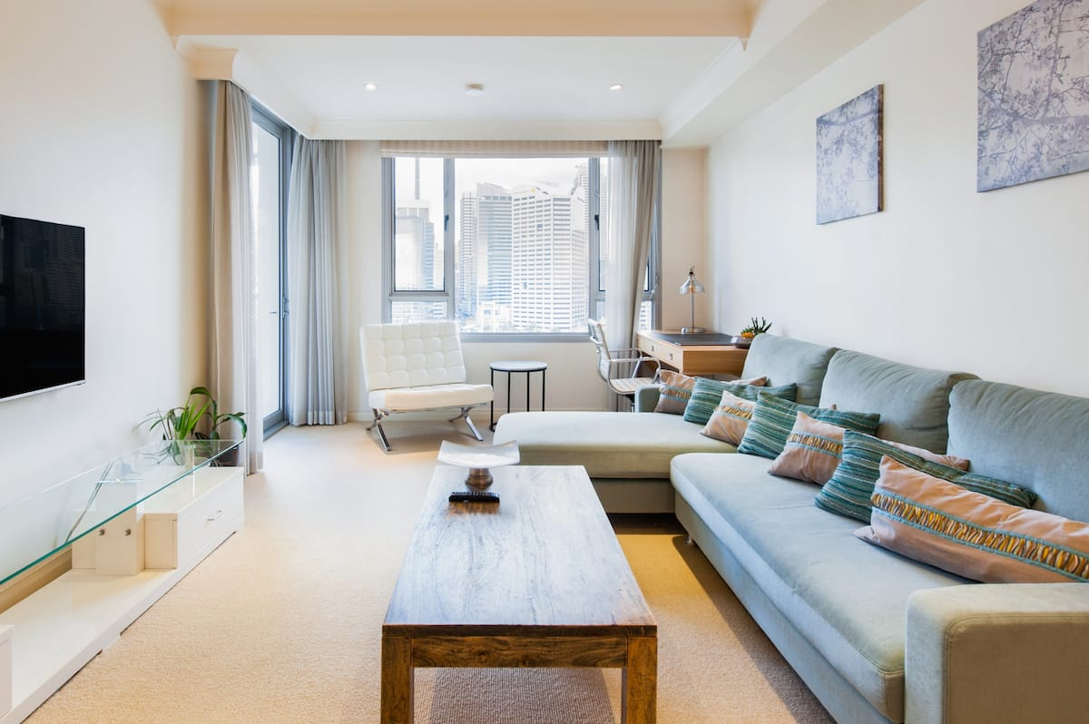 Modern Water & Fireworks View Apartment in Darling Harbour