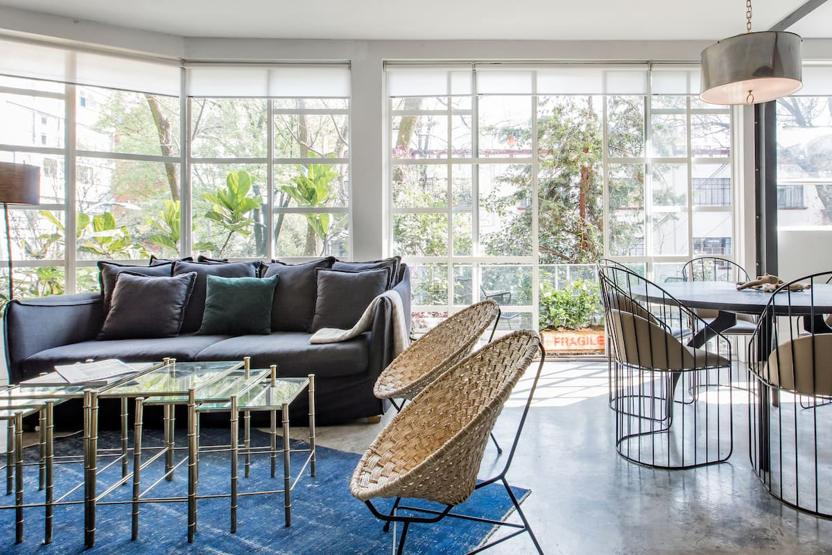 Eclectic Design Apartment with Patio next to Polanquito