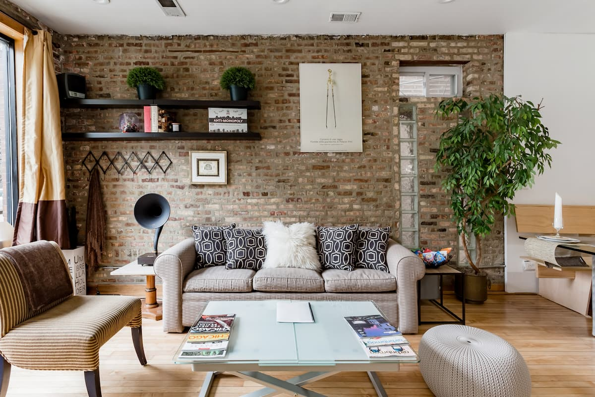 Explore Chicago From a Stylish Home