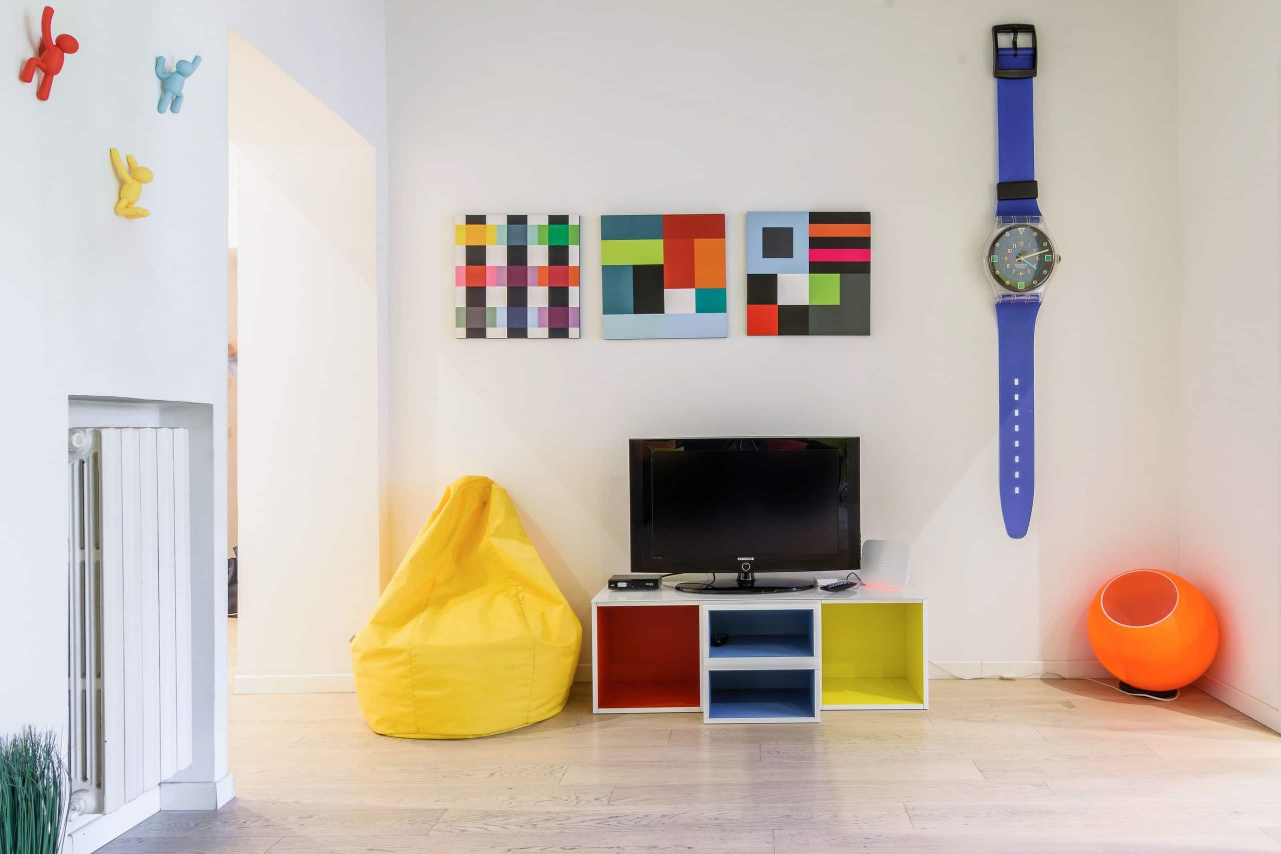 appartamento colorato e di design vicino a navigli appartements louer milan lombardia italie. Black Bedroom Furniture Sets. Home Design Ideas