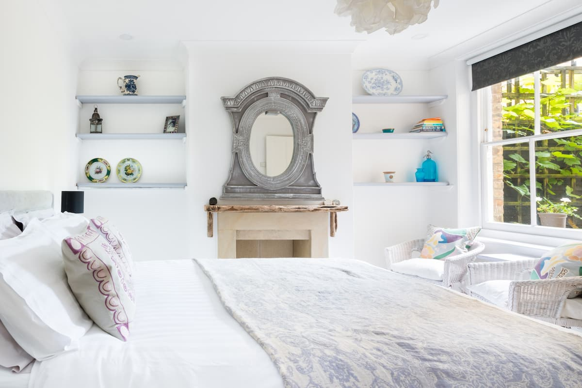 A Charming Apartment in Deal near Beach and Town
