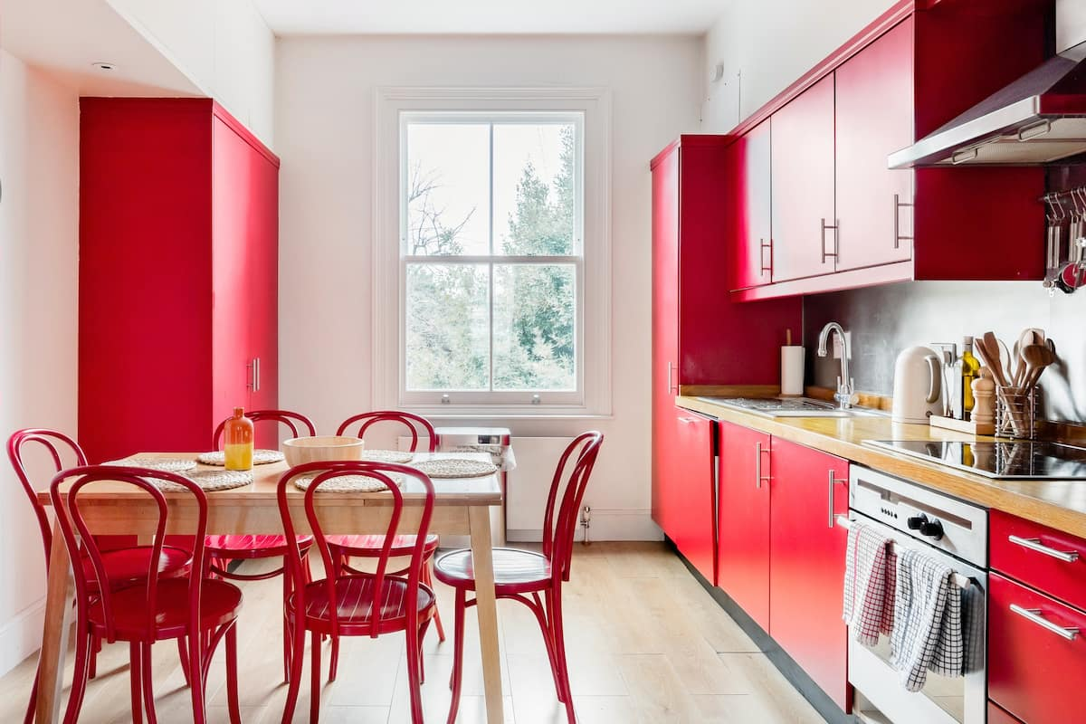 Vibrant Apartment with a Patio in Chelsea