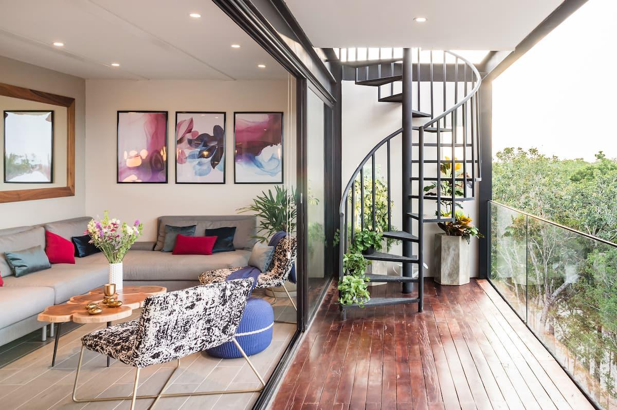 Noctūrna Nova—Custom-Designed Jungle Penthouse