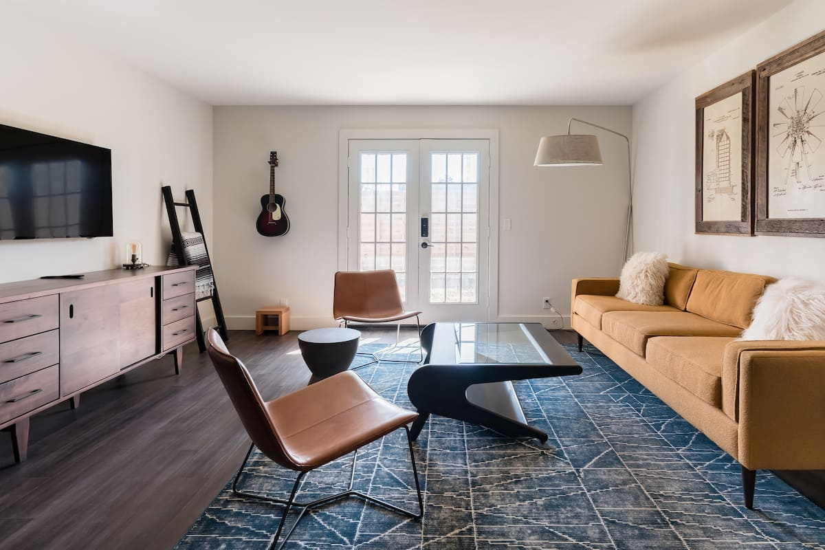 Explore Nashville's Vibrant Culture from a Bode Apartment