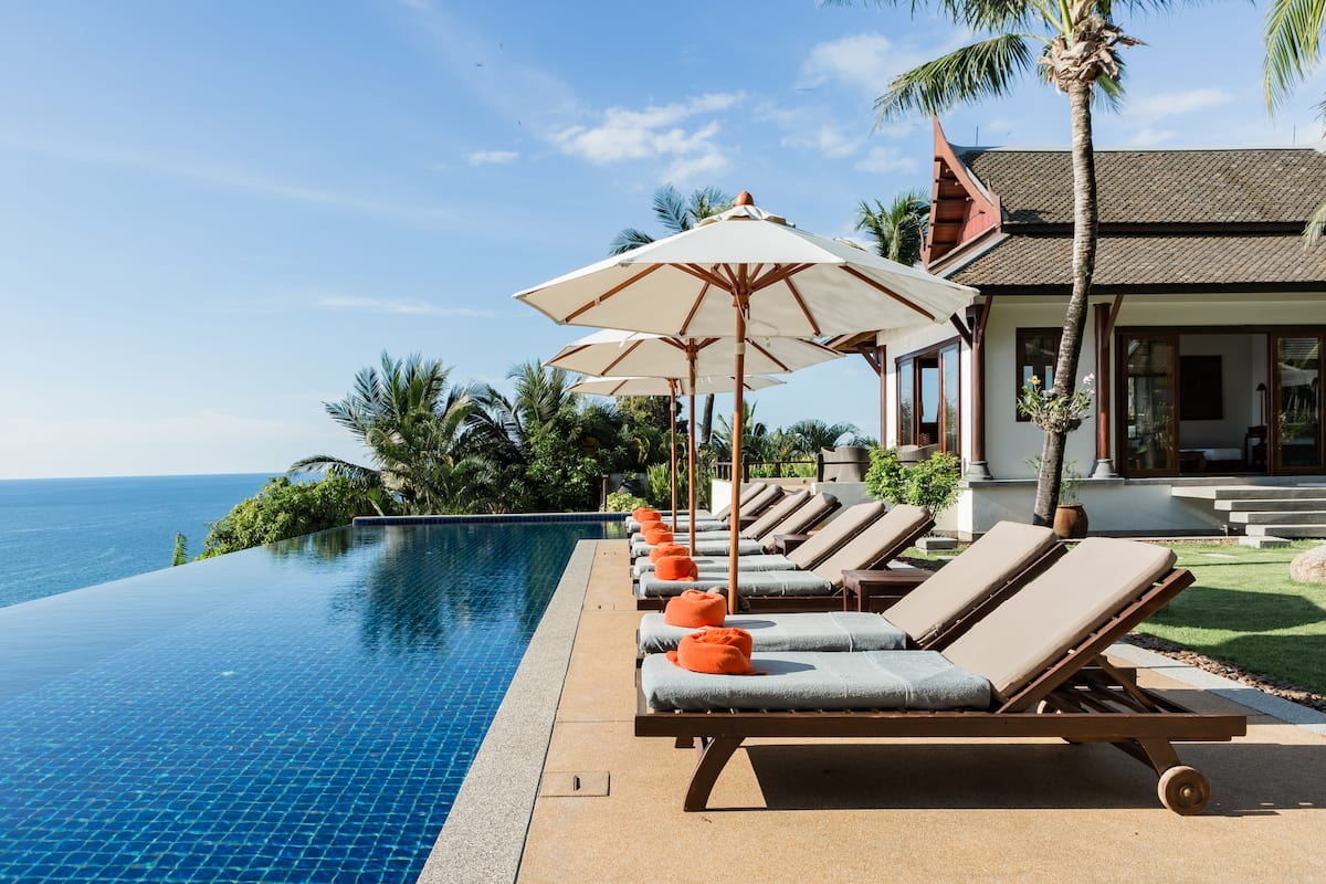Fully Serviced Oceanfront Villa with 360-Degree Views