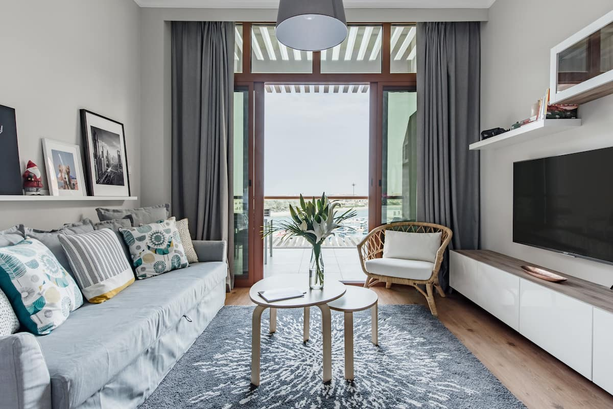 Waterfront Studio with Skyline View Terrace