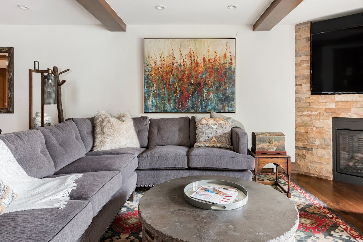 Modern, Five Bedroom Cabin-Styled Condo in Vail Village