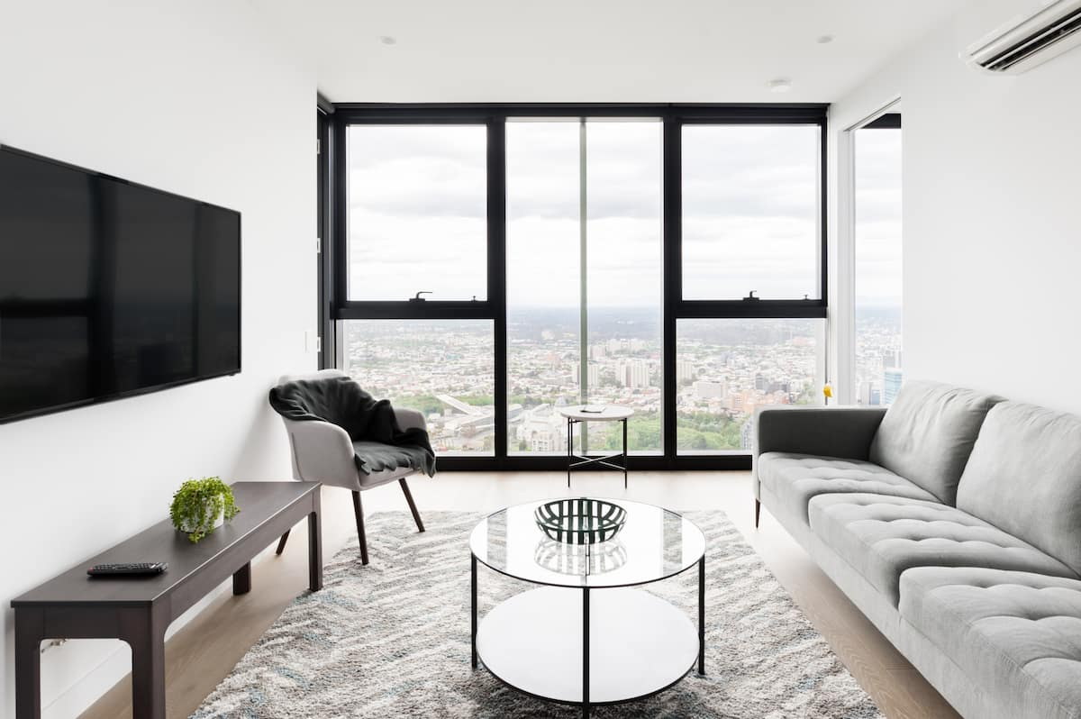 Stylish Top-Floor CBD Penthouse Suite with Stunning Views