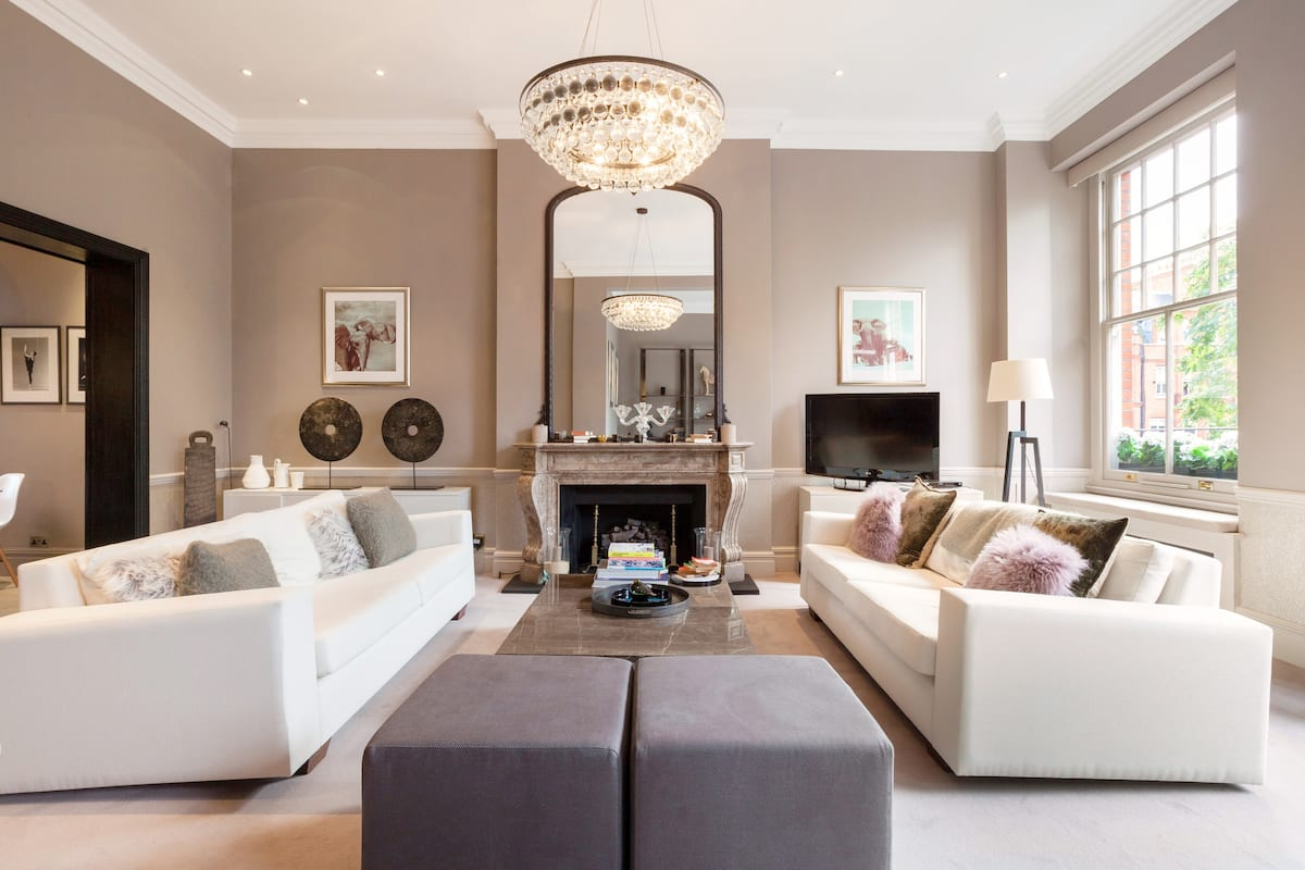 £10 Million 3BR Cadogan Square Residence | Terrace