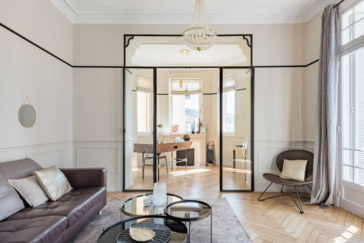 Walk to the Palais From an Apartment With a Movie Star Motif