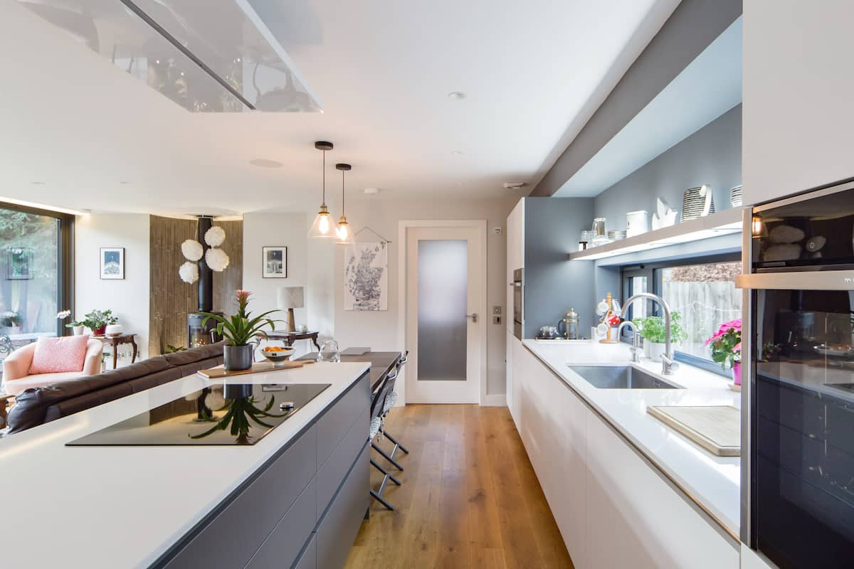 Explore Edinburgh from a Modern Home in Bruntsfield
