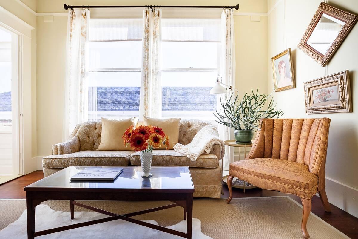 Cozy Retreat in Downtown Astoria