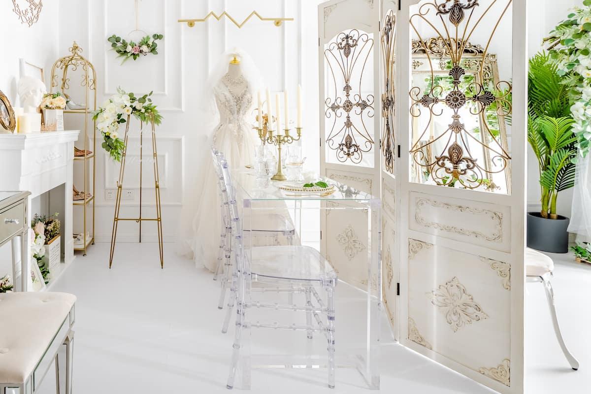 入住带有婚纱礼服的浪漫房源,来拍张幸福婚纱照