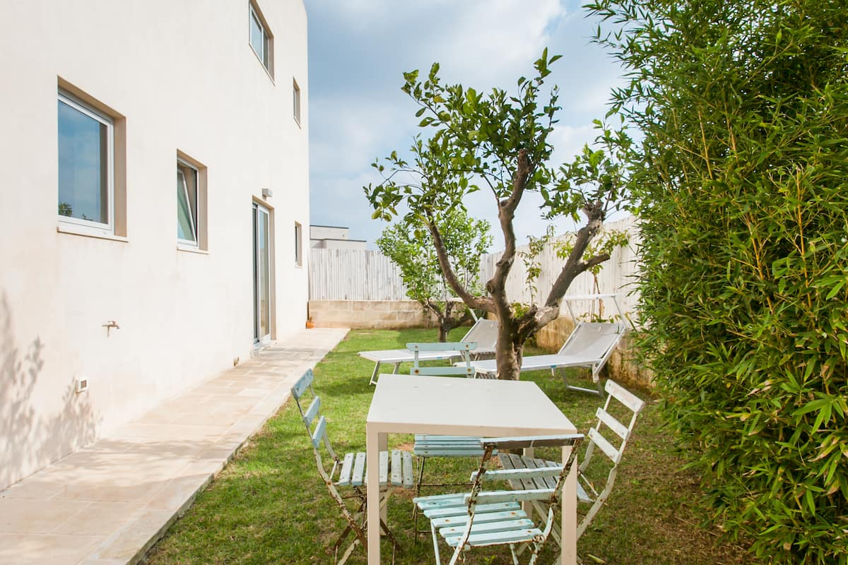 Pietra Leccese apartment, with private garden&pool