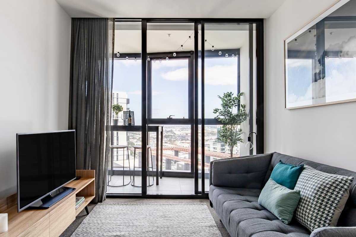 Sky High Views & Beautiful Facilities in Stunning Southbank