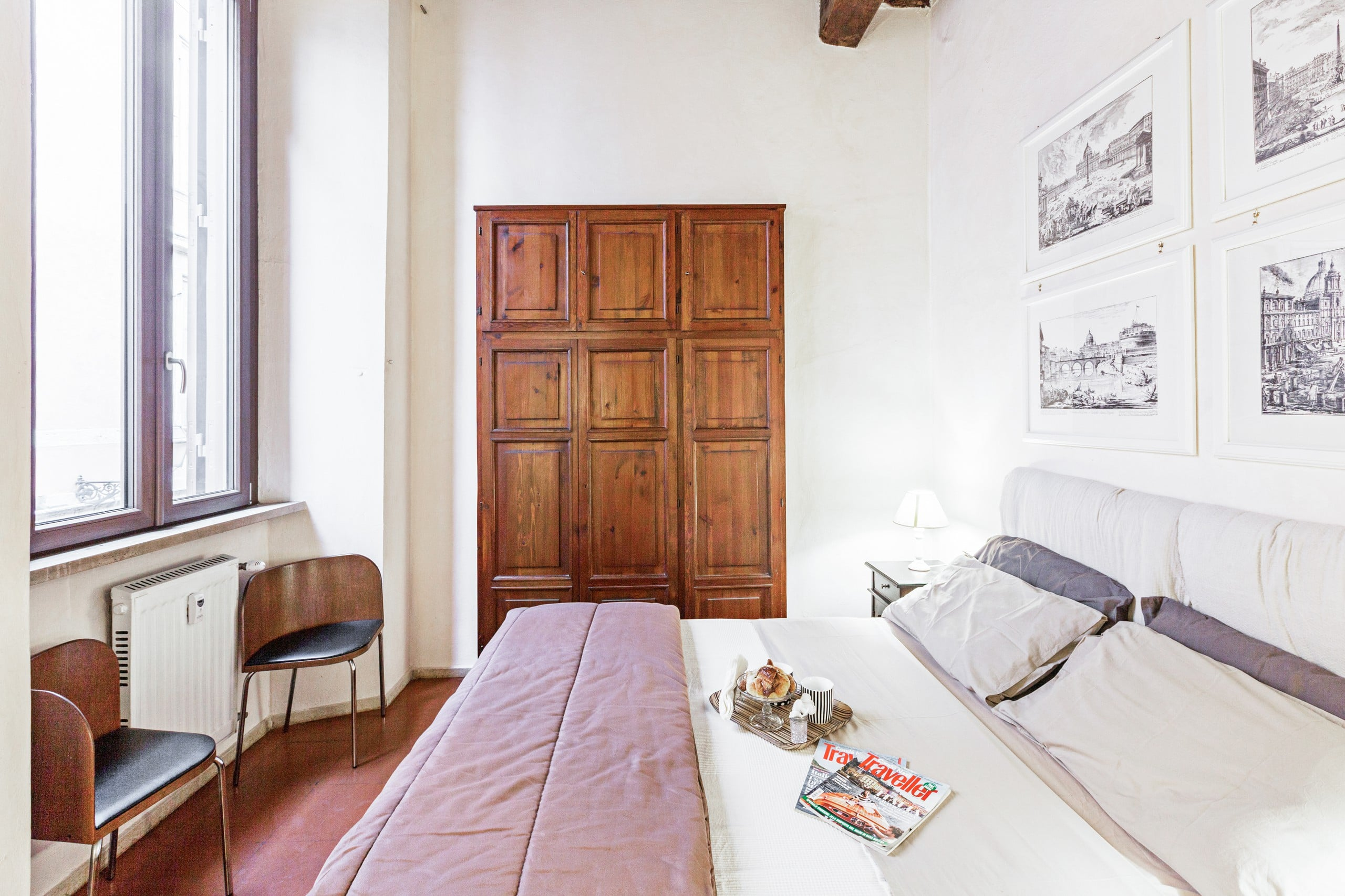 Visit panteon in historic well located apartment for Airbnb roma