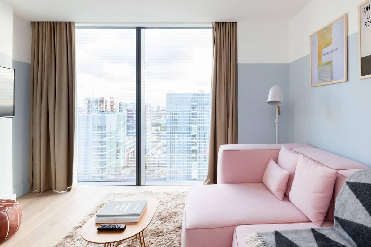 Leman Locke Sky One Bedroom Apartment