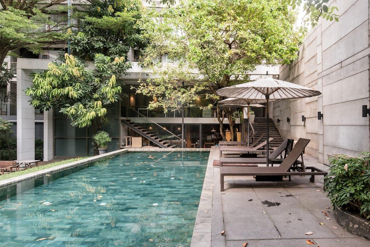 Explore Bangkok from a Light-Filled Studio