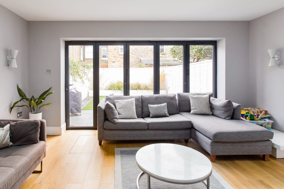 Relax in Luxury Family Friendly London Sanctuary