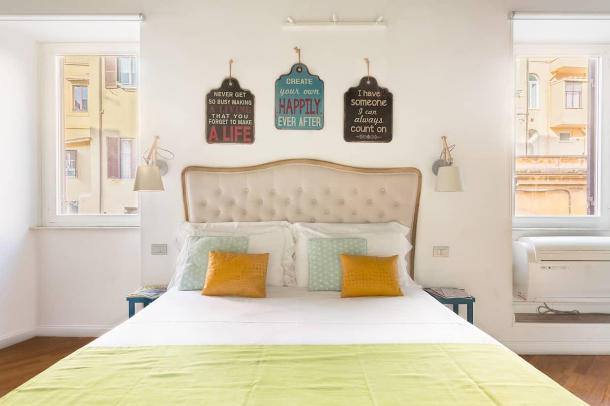 Sorridente e colorato appartamento a due passi dal Colosseo