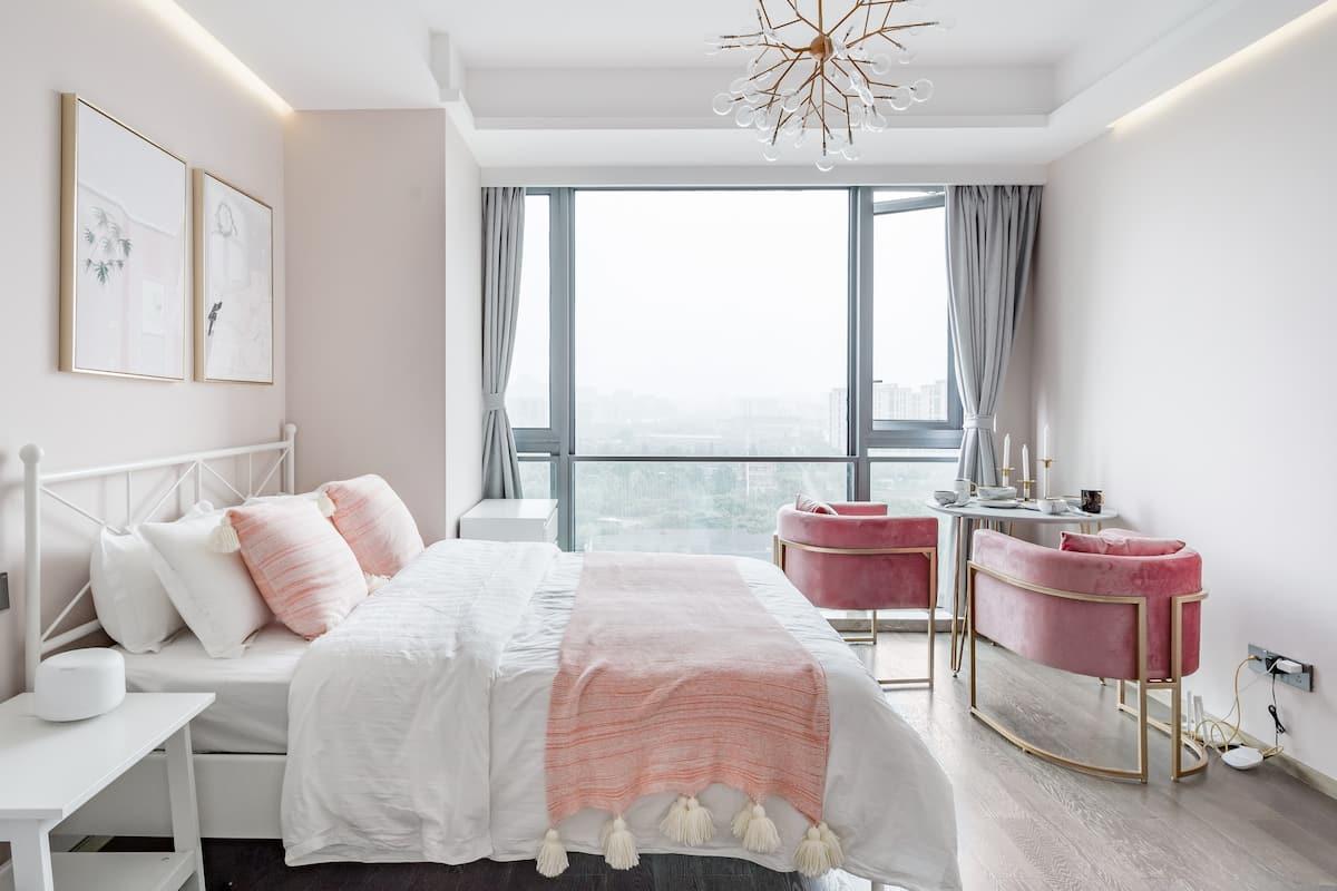 青小蜜 投宿于莫兰迪粉色系公寓来俯瞰拱宸桥夜景
