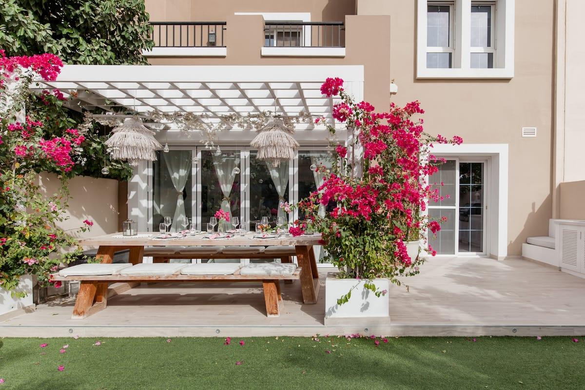 The Lakehouse Luxury Villa, Dubai.
