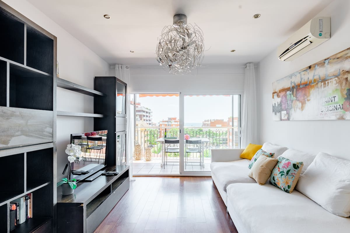 Pretty Vilamarlux Apartment in Coastal Town Near Barcelona