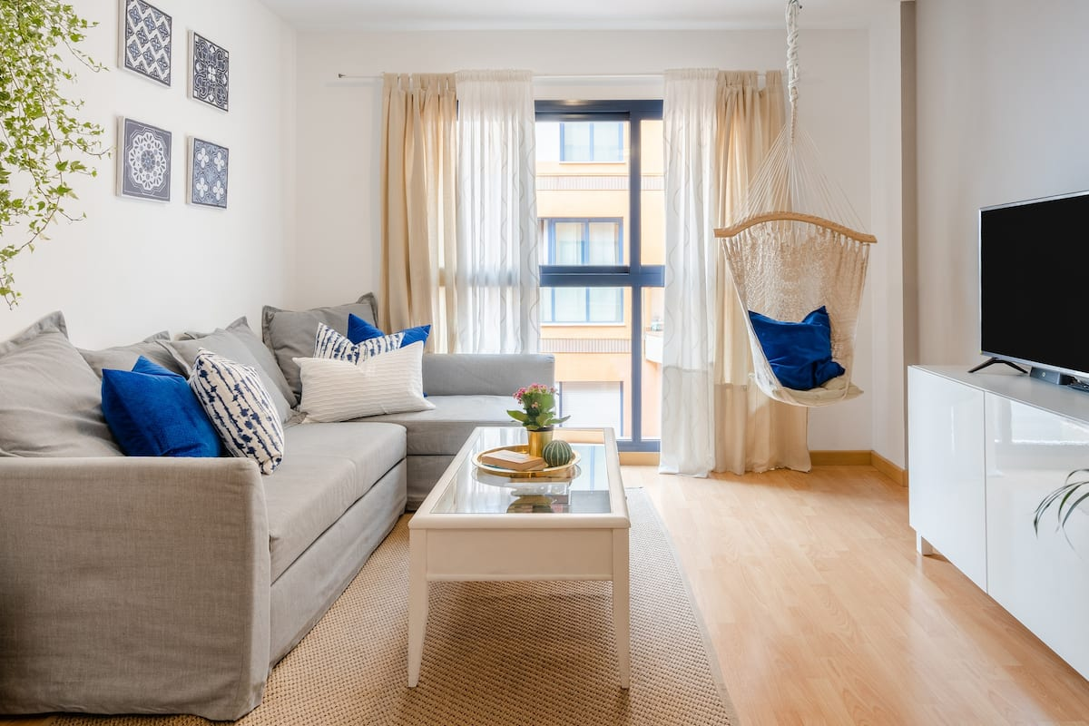 Explore Málaga From a Modern Apartment.