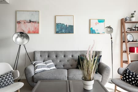 Chic Vibes in a Lakeside Townhouse