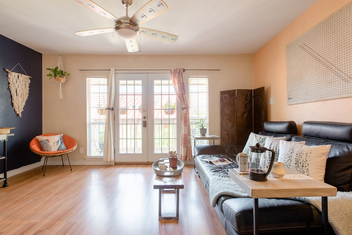 Walk to Lady Bird Lake from a Boho Condo with a Pool