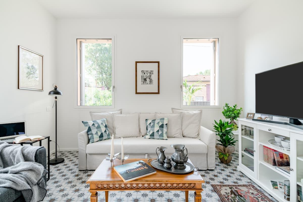 """""""Eva""""  raffinato appartamento con giardino ornamentale e posto auto in Venezia"""